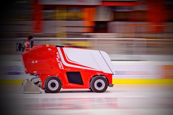 Advantages of the Electric Ice Resurfacer – The Engo Wolf