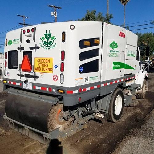 Elgin Broom Bear Hybrid-Electric Street Sweeper
